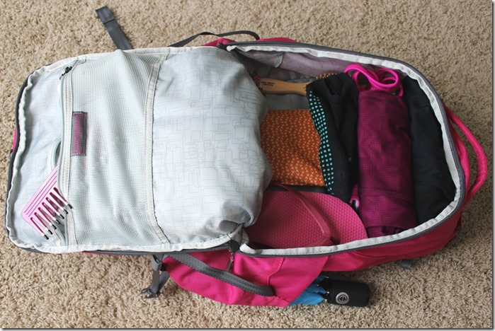 apera tech pack review- main compartment