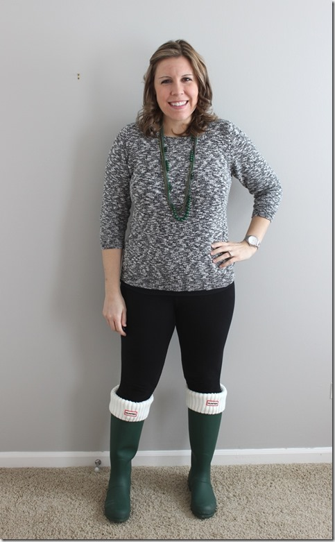 green hunter boots, black leggings, black and white marbled sweater, green necklace2