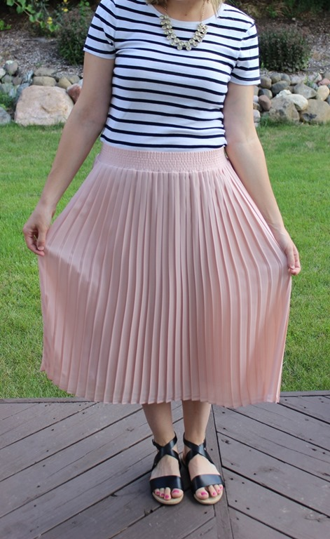 Mom Style 25 Midi Skirt Stripes Remix The Style Files